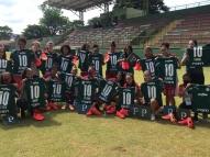 Palmeiras presenteia jogadoras do Taboão com materiais