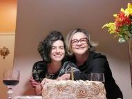 Fafy Siqueira posta foto com a esposa e rebate comentário