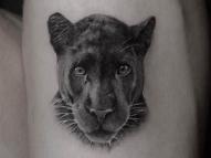 Giovanna Ewbank tatua pantera em homenagem aos filhos