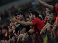 Flamengo saúda 'campeão de 87' e torcida do Sport rebate