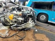 Motoristas de carro e ônibus morrem após colisão em PE