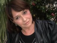 Em vídeo, atriz Myrian Rios explica seu problema de surdez