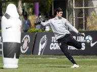 Cássio diz que Corinthians depende só de si para não cair