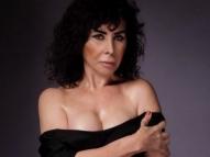 Claudia Alencar recria capa da Playboy 34 anos depois