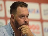 Roberto Fernandes relembra bronca e elogia Camutanga