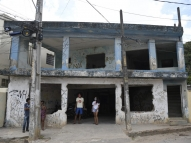Comunidade do Recife luta por creche prometida há 13 anos