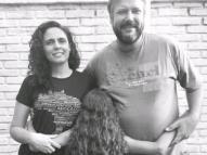 #FicaVivi: família luta para permanecer com filha adotiva