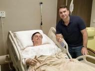 Após cirurgia, Bolsonaro diz que está aproveitando a folga