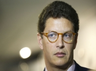 Salles ironiza Greenpeace, que rebate: 'ministro mente'