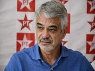 Humberto diz que Bolsonaro é garoto propaganda do vírus