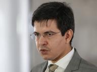 Parlamentares atacam governo por fim do auxílio: criminoso