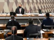 """Omar Aziz responde Bolsonaro: """"O negócio é mais embaixo"""""""