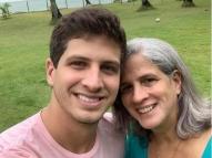 Covid: mãe do prefeito do Recife, Renata Campos é vacinada