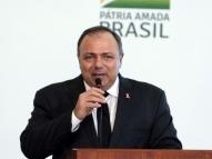 Eduardo Pazuello negociou vacina pelo triplo do preço