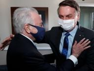 Ao lado de empresários, Temer ri de imitação de Bolsonaro