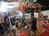 Feiras expõem artesanato internacional em Belém