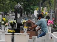 Em Belém, 45 mil visitam cemitérios no Dia de Finados