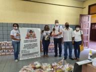 Círio Solidário arrecada cesta básica e absorvente íntimo