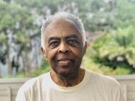 Gilberto Gil ganha título de doutor honoris causa