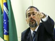 'Tudo caminhando para ser o melhor Enem', diz ministro