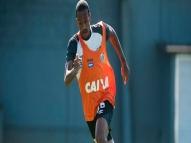 Luiz Felipe desfalca o Santos por duas a três semanas