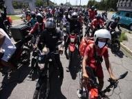 PE: protesto de entregadores segue para sede do Governo