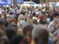 Aglomeração de pessoas marca a festa de Nossa Sª do Carmo