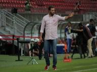 Roberto Fernandes lamenta eliminação, mas exalta grupo