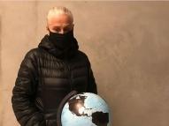 Vera Holtz impacta com protesto contra queimadas