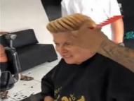 Vovó 'ousada' inova no penteado para entrar na moda funk