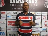 Santa Cruz anuncia meia Patrick, ex-Londrina e Náutico