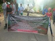 Agricultores que viviam em área de Suape fazem protesto