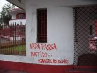 Sede do Náutico é pichada com mensagens de protesto