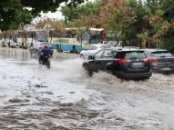 Chuva alaga pontos na Região Metropolitana do Recife