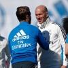 Após morte de irmão, Zidane volta a comandar o Real