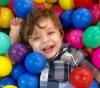 Menino autista rejeitado em aniversário ganha festa