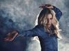 Paula Toller volta à era disco no single 'Eu amo brilhar'