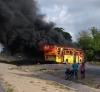 Ônibus são queimados e BR-101 é bloqueada em protesto