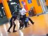 Homem negro é agredido e morto por seguranças do Carrefour