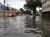 Com chuvas e maré alta, Recife amanhece alagada