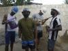 Grupo faz covers usando materiais de construção e viraliza