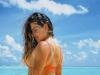 Mariana Goldfarb exibe corpão de biquíni nas Maldivas